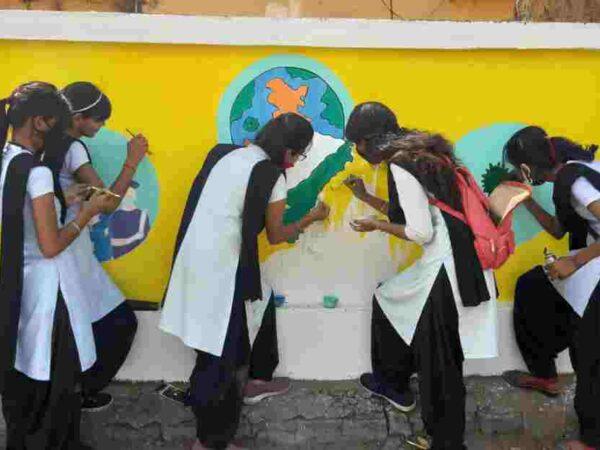 *सुग्घर रायगढ़ बनाने की दिशा में निगम का सार्थक प्रयास, उत्तम मेमोरियल कालेज के विद्यार्थियों ने सुग्घर रायगढ़ बनाने में दिया योगदान*