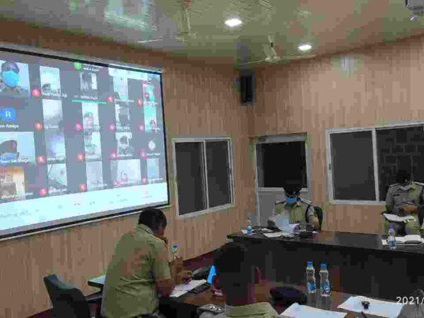 एसपी रायगढ़ ने थाना प्रभारियों की ली वर्चुअल मीटिंग